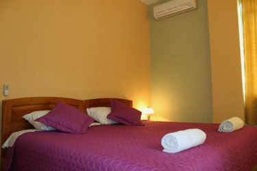 Guest House in Galapagos - King size bed